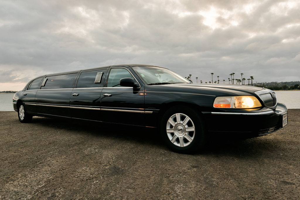 SDCC 2016 Lincoln Limo Rental